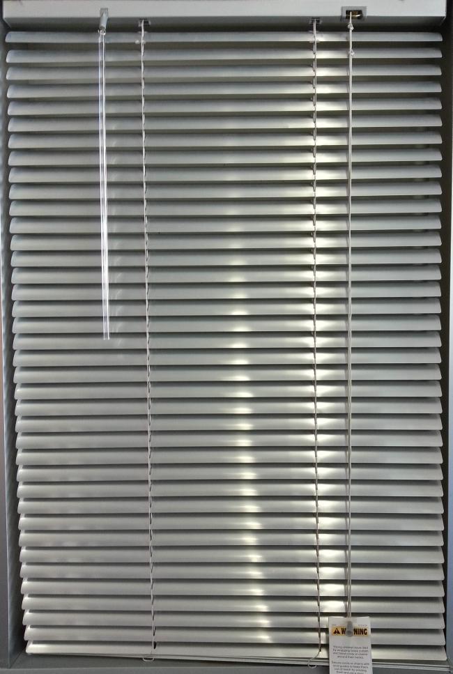 Slimline Aluminium Silver Venetian Blinds Blinds 2 Go