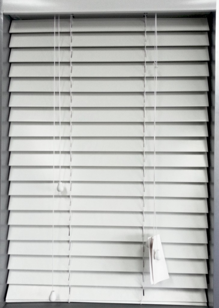 White Pvc Venetian Blinds Blinds 2 Go